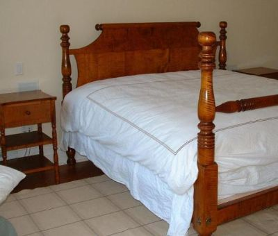 holmes fine furniture, Headboard designs